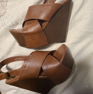 Steve Madden plataform strapped beautiful